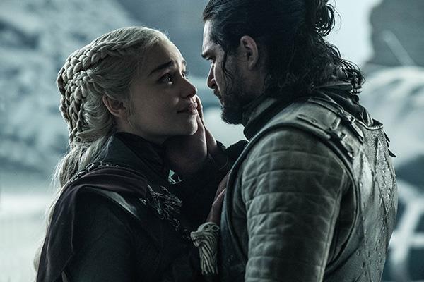 Game of Thrones'un heyecanla beklenen son sezonunda taht rekorlarla geldi